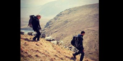 El objetivo es sobrevivir en la vida salvaje. Foto:Vía facebook.com/NBCRunningWild