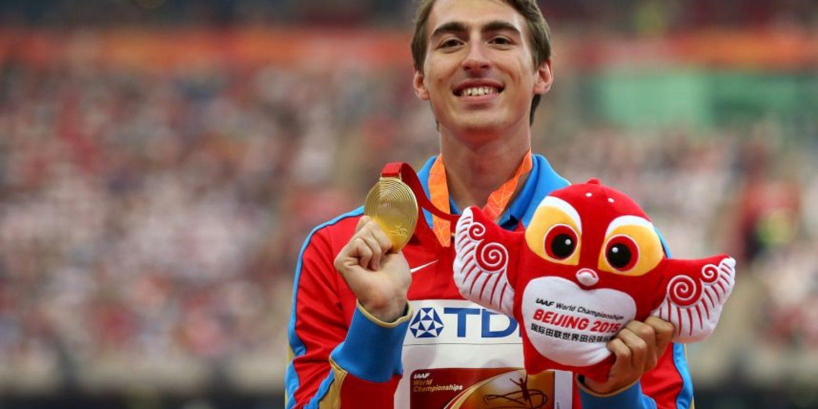 El atleta ruso fue el mejor de los 110 metros con vallas con un tiempo de 12 segundos y 98 centésimas de segundo Foto:Getty Images