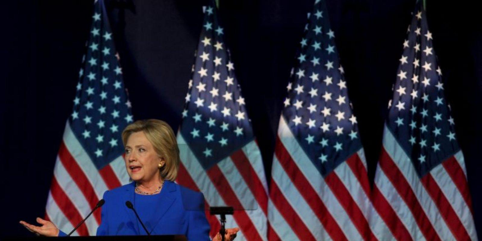 """""""Otro 'escándalo' que debemos vigilar podrían ser las prácticas de recaudación de fondos de la Fundación Clinton, que se han cuestionado en los últimos meses, incluso mientras que el uso del correo electrónico ha tomado el centro del escenario"""". Foto:Getty Images"""