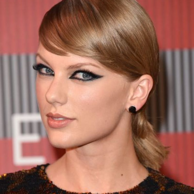 "La intérprete de ""Bad Blood"" logró verse como una estrella de rock de manera muy natural. Foto: Getty Images"