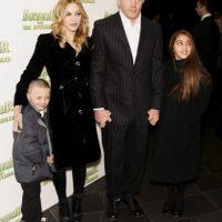 """La """"reina del pop"""" dio a luz a su hijo Rocco Ritchie en el año 2000. Tenía entonces 41 años. Foto:Getty Images"""