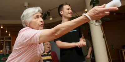 La consola Wii es utilizada como un estimulante para los ancianos y los niños. Foto:Getty Images