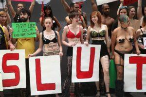 """Su movimiento se asemeja mucho al grupo fundador de """"La Marcha de las Putas"""". Foto:vía Getty Images"""