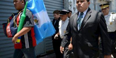 """El congreso guatemalteco avala con 132 votos retirarle la inmunidad al presidente Otto Pérez, señalado por la Comisión Internacional contra la Impunidad en Guatemala (CICIG) de ser uno de los cabecillas de la red de contrabando aduanero denominado """"La Línea"""". Foto:vía Publinews Guatemala"""