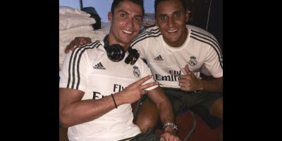 """Un cuarto de hora después de las 12:00, ya en fecha 1 de septiembre, """"Marca"""" informó que los papeles de De Gea no llegaron a tiempo por lo que el español no será jugador del Real Madrid. Foto:Vía twitter.com/NavasKeylor"""