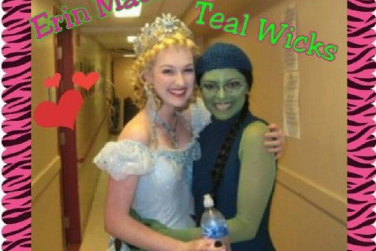 """Uno de los papeles más importantes en la carrera de Mackey es el de la bruja """"Glenda"""", del musical """"Wicked"""", que narra la historias de las brujas del cuento """"El Mago de Oz"""". Foto:vía Instagram.com/Broadwayfanswicked"""