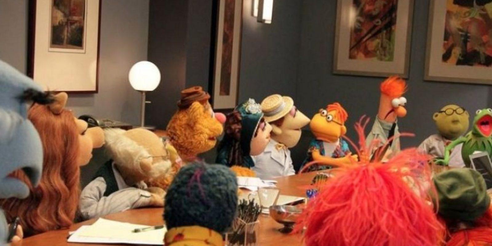 """""""Kermit"""" conoció a """"Denise"""" en las instalaciones de la cadena de televisión ABC. Foto: Facebook/KermittheFrog"""