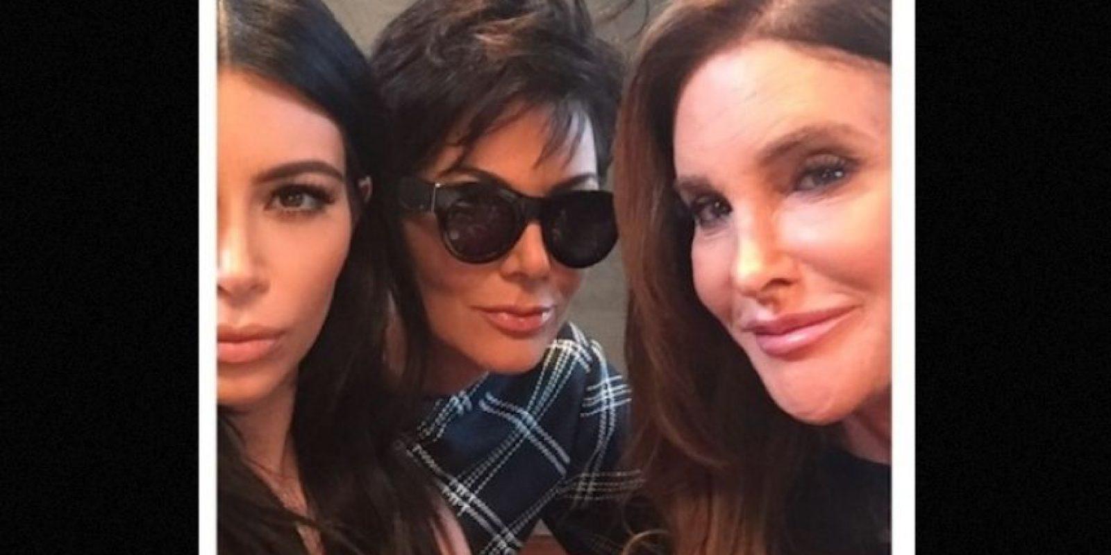 La primer fotografía entre Kris y Caitlyn la compartió Kim Kardashian en la fiesta de cumpleaños de Kylie Jenner Foto:Instagram/KimKardashian