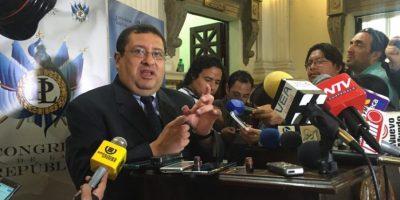 Crisis política complica acceso a recursos del BM y el BID