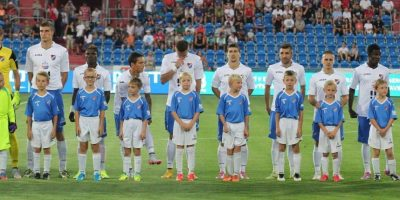 Desde la campaña 2003-2004 no ganan la Liga. Foto:Vía facebook.com/fcbanik.cz