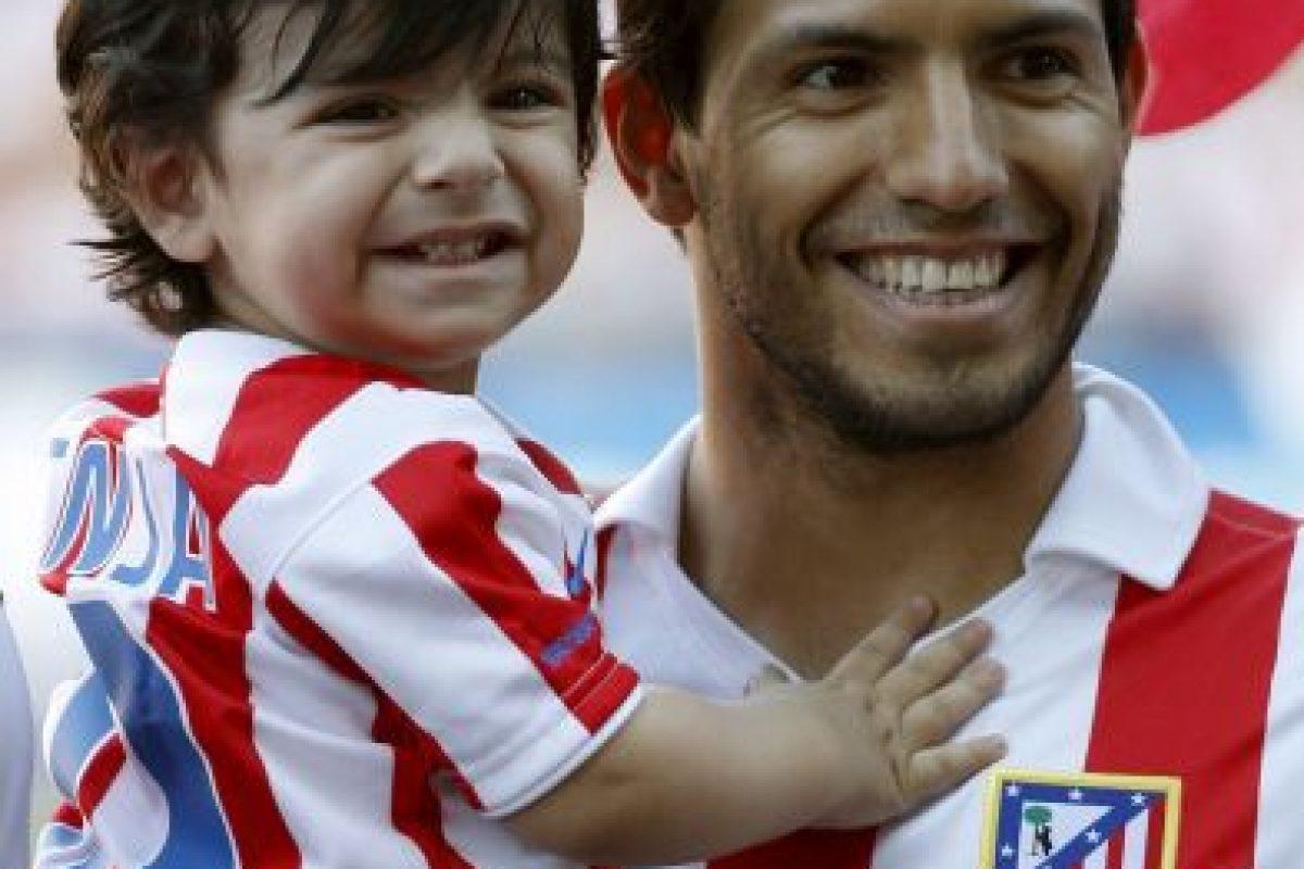 En 2010 con su hijo, Benjamín. Foto:Getty Images
