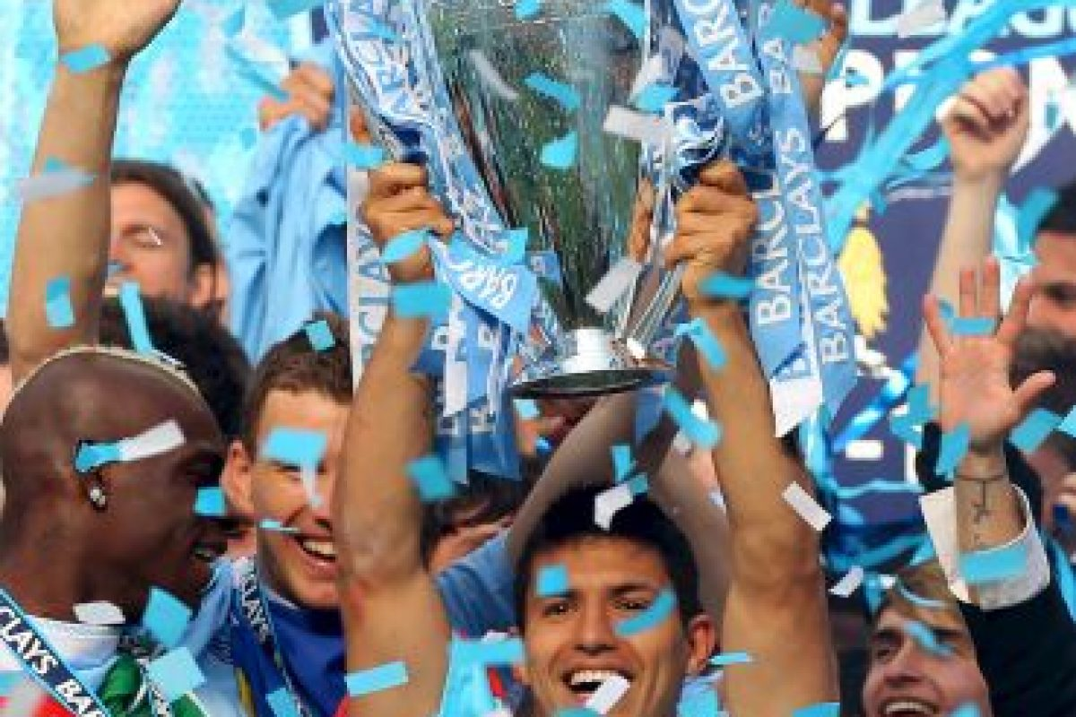"En 2012 ganó con los ""Citizens"" la Premier League y la Community Shield. Foto: Getty Images"