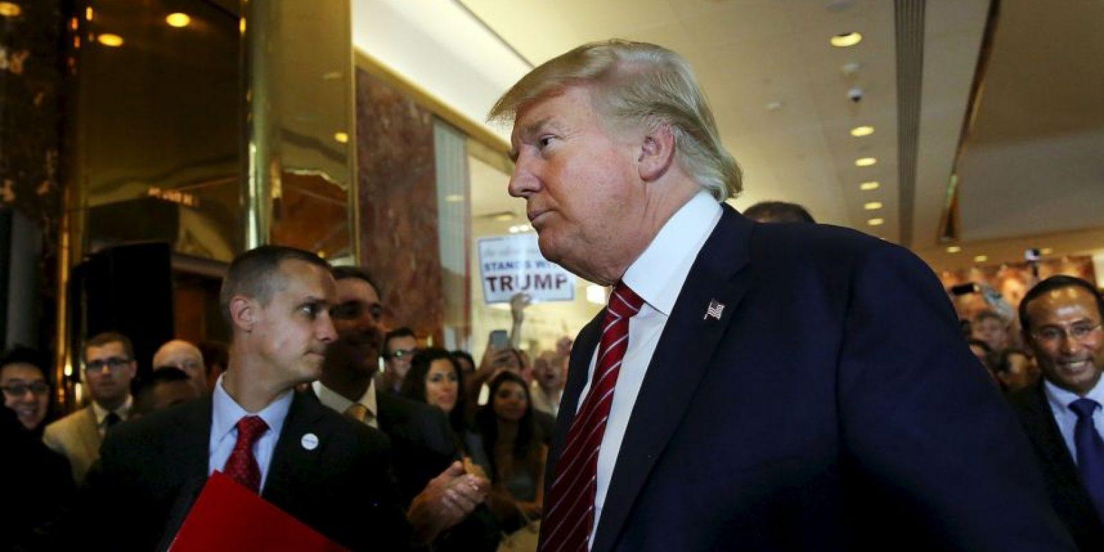 """""""Los cacahuetes, la parte más barata, es lo que cuesta hacerlo. Estoy renunciando a cientos de millones de dólares para hacer esto. Estoy renunciando a un programa de televisión en horario estelar. Me estoy dando para arriba para hacer esto"""", manifestó Trump. Foto:Getty Images"""