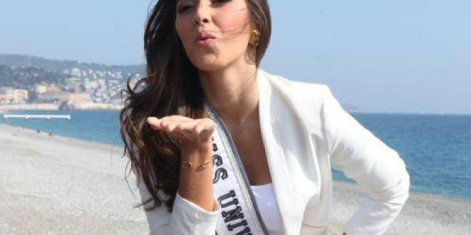 """A Paulina Vega, actual Miss Universo, le preguntaron: """"¿Qué pueden aprender las mujeres de los hombres?"""" Foto:vía Facebook/Paulina Vega"""