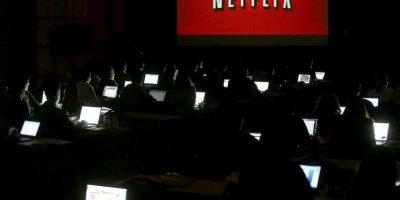 Se calcula que el suscriptor promedio de Netflix, está aproximadamente 87 minutos diarios consumiendo algún contenido de la plataforma online Foto:Getty Images