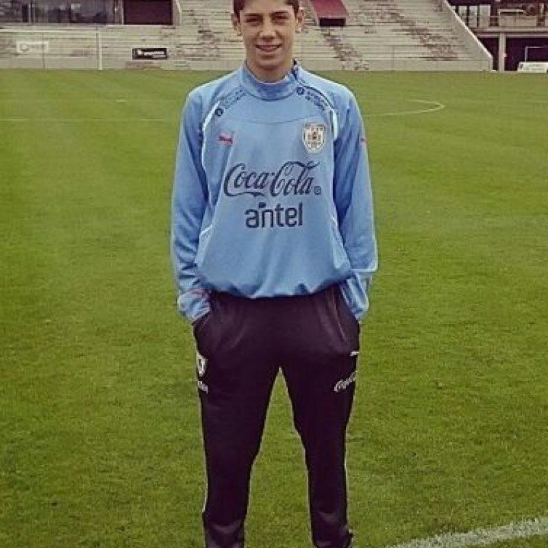 Valverde firmó un acuerdo con el Real Madrid, pero será efectivo hasta que él cumpla los 18 años. Foto:Vía facebook.com/TuyYoJuntosFede10