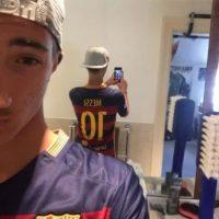 Fotos con la camiseta de Messi. Foto:Vía twitter.com/FFC_JM