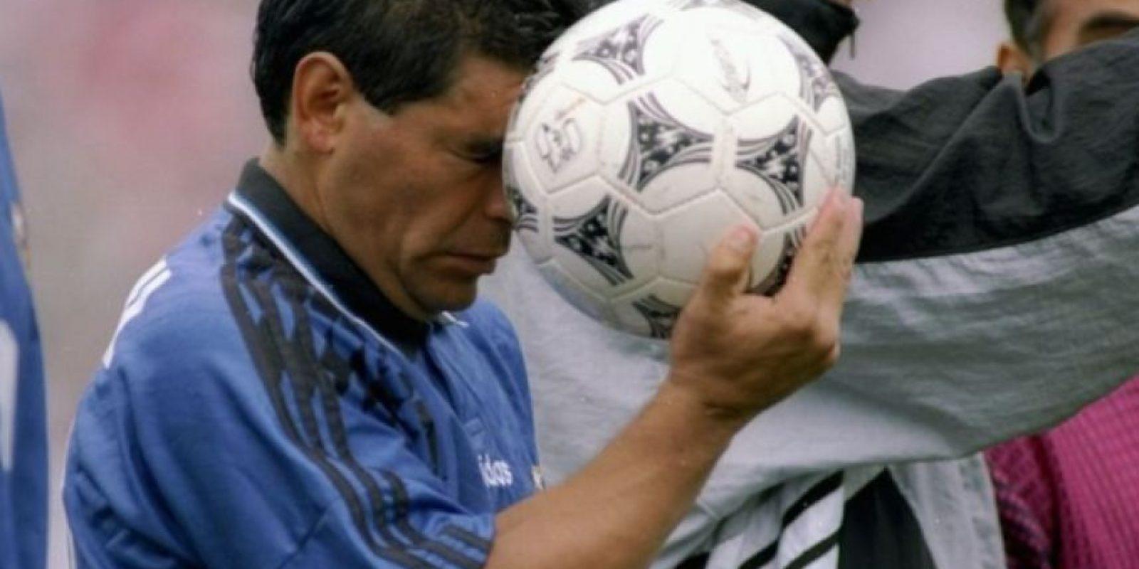 """Apenas en abril pasado, Maradona fue a Croacia después del """"Partido por la Paz"""" con el Papa Francisco. En aquella nación, """"el Pelusa"""" estuvo hasta altas horas de la noche con mujeres jóvenes y se peleó al salir, según el diario local Dubrovacki vjesnik. Foto:Getty Images"""