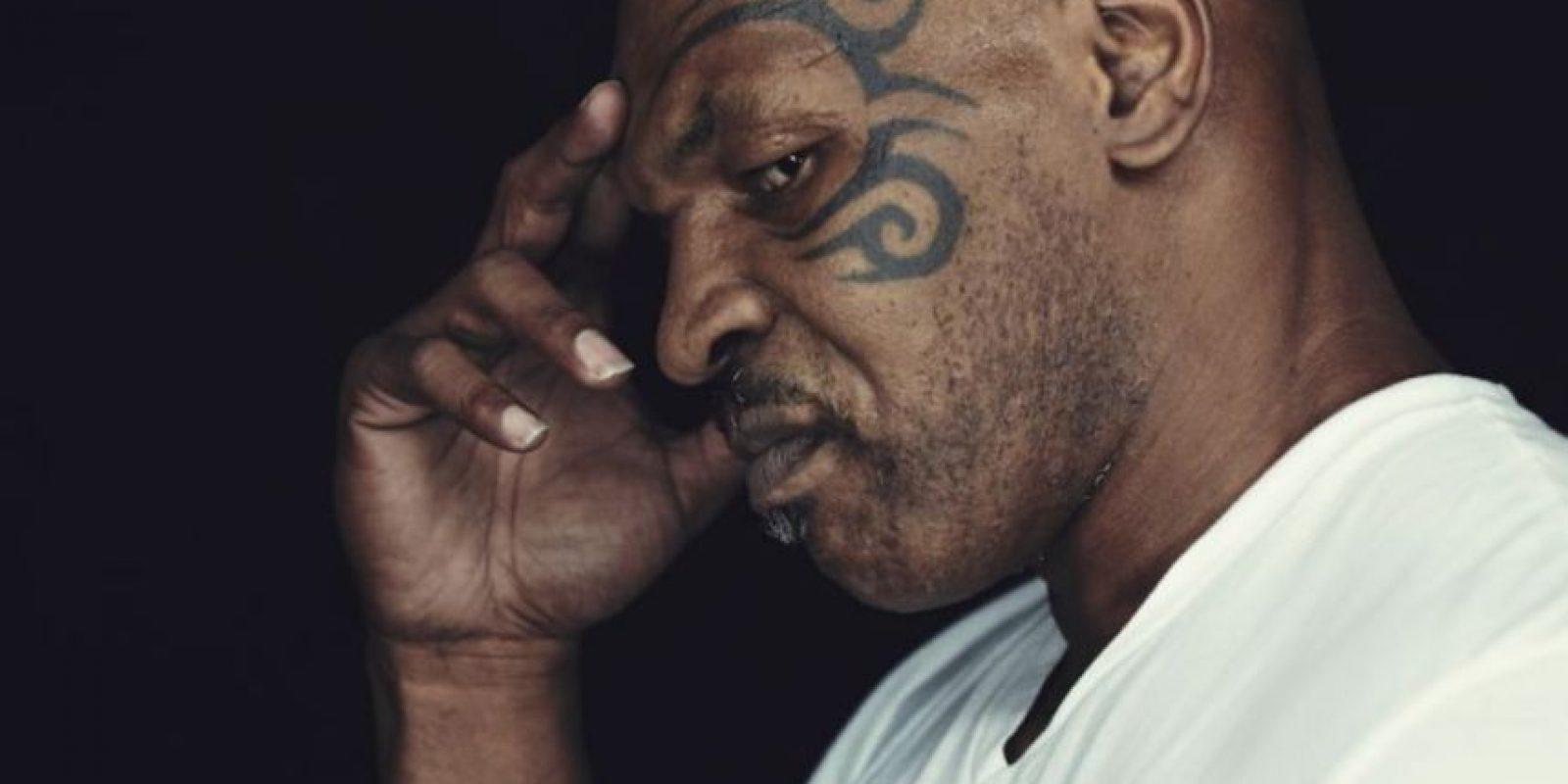 Tyson despilfarró su fortuna que tuvo que recurrir a ayuda del MGM de Las Vegas para subastar autógrafos y fotos con él; según publicó en 2012 La Gazzetta dello Sport. Foto:Getty Images