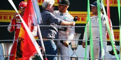 El abrazo entre George Lucas y Lewis Hamilton. Foto:Getty Images