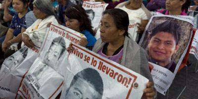 """""""He dado indicaciones para que las investigaciones de los trágicos sucesos de Iguala tomen en cuenta los elementos aportados por el GIEI"""", escribió Foto:AFP"""