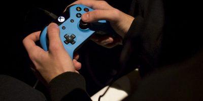 """1.- El dolor o enfermedad conocida como """"dedo en gatillo"""" se produce por el exceso de juego con un d-pad, como los mandos de Xbox o PlayStation Foto:Getty Images"""