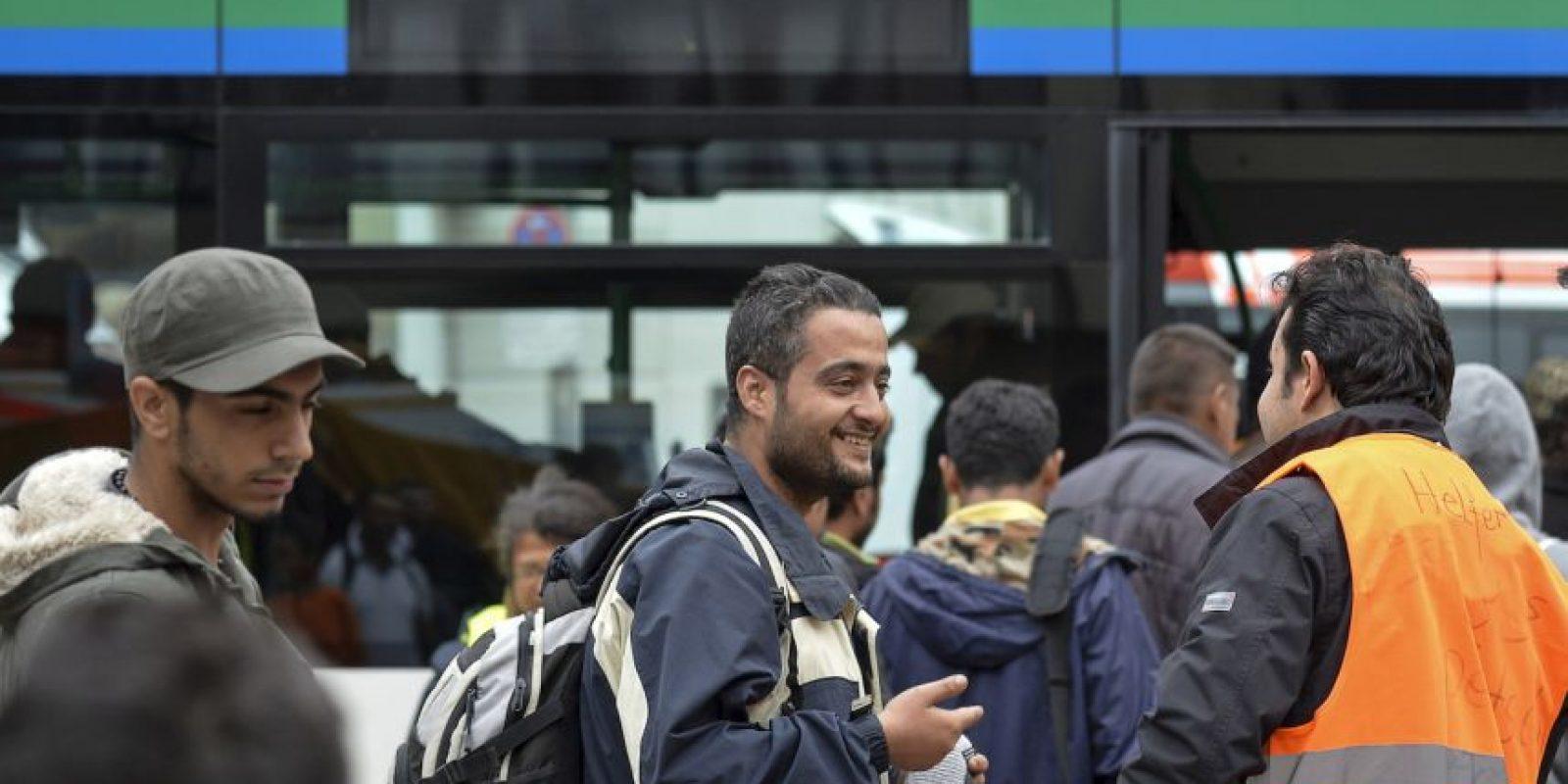 4. Aquellos que resulten contar con una petición válida de protección internacional tras un estudio preliminar, deben poder beneficiarse de programas de reubicación a gran escala, con la participación obligatoria de todos los Estados miembros de la Unión Europea. Foto:Getty Images