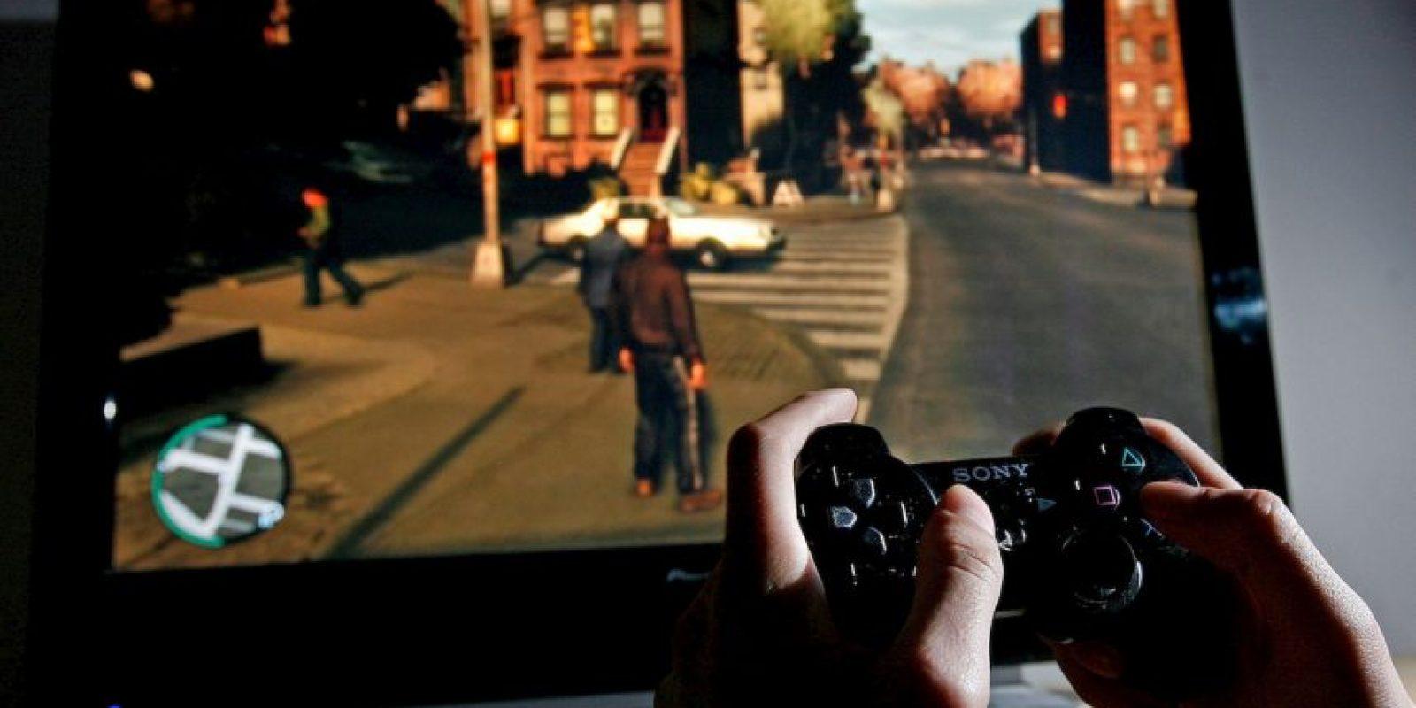 """4.- Estudios recientes han demostrado que los videojuegos pueden ser causa de adicción. Los """"gamers"""" adictos presentan trastornos mentales como por ejemplo: perdida o ganancia de peso y alteración del patrón de sueño Foto:Getty Images"""