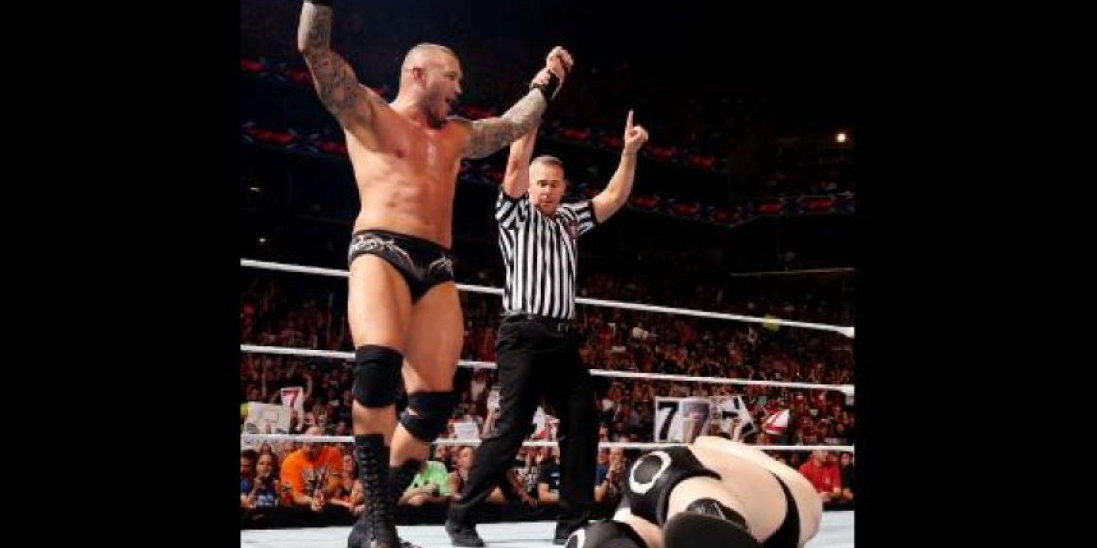 """Pasa el tiempo y """"La Víbora"""" continúa como uno de los peleadores más populares de la WWE Foto:WWE"""