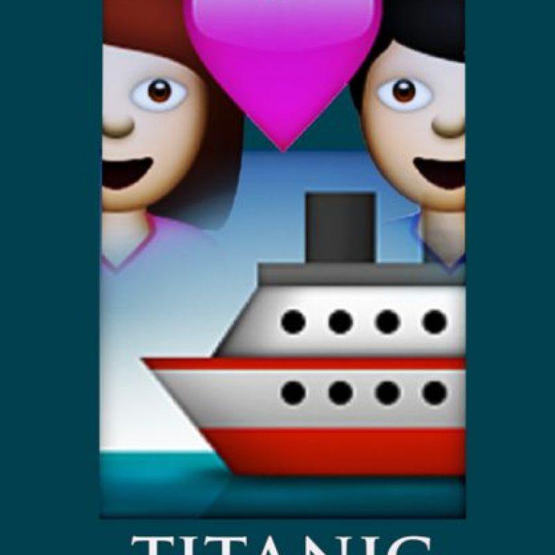 Titanic (1997) Foto:vía emojifilms.tumblr.com