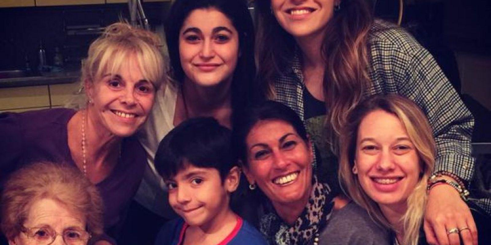 Benjamín ya tiene seis años y vive con su madre, Giannina y la familia de ella. Foto:Vía twitter.com/gianmaradona
