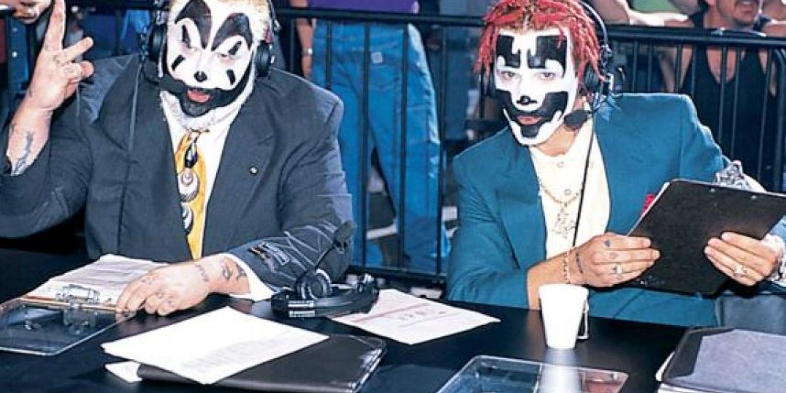 The Insane Clown Posse, Violent J y Shaggy 2 Dope. El duo de hip hop también han hecho una carrera en el encordado Foto: WWE