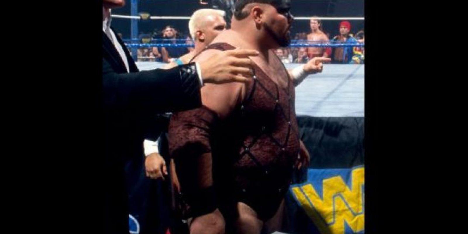 Mantaur utilzaba pintura en representación de cuernos Foto:WWE