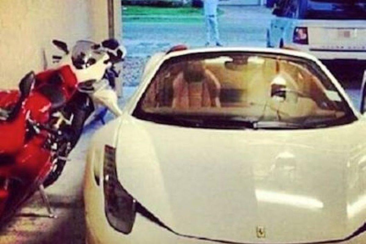 Por lo general son autos deportivos Foto:Instagram.com/explore/tags/narco/