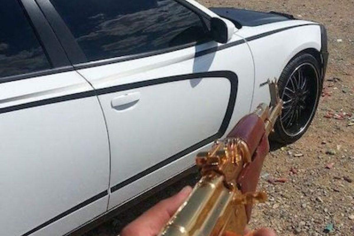 3. Armas bañadas en oro Foto:Instagram.com/explore/tags/narco/