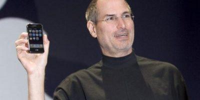 Steve Jobs, CEO de Apple, presentó el primer iPhone el 9 de enero de 2007 en la MacWorld Expo. Foto:Getty Images