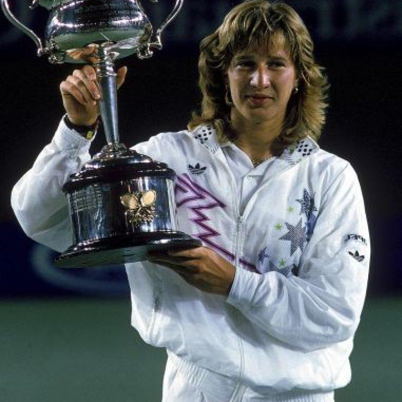 La alemana ganó los cuatro torneos más importantes en 1988 y también se hizo con la medalla de oro, para ser la única que ha cosechado el Golden Slam Foto:Getty Images