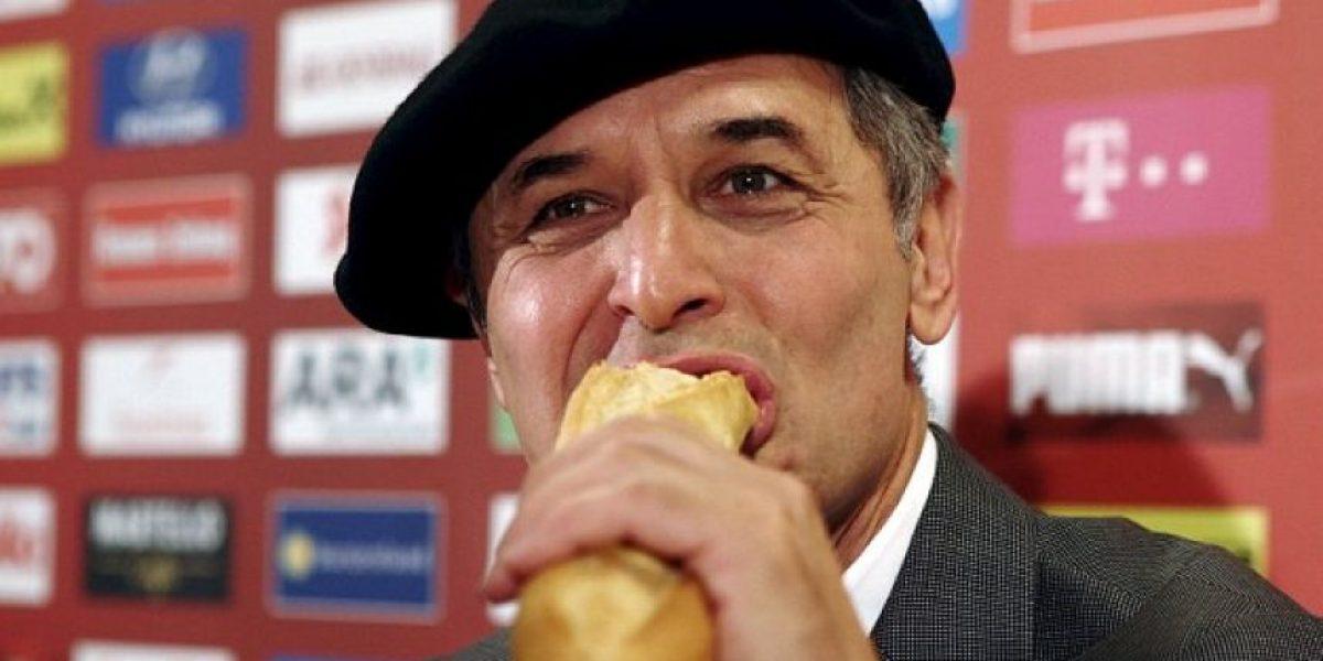 Técnico celebra con una rara originalidad la clasificación de su equipo a la Eurocopa