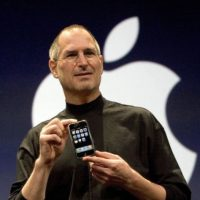9 de enero de 2007: Steve Jobs presenta el iPhone. Foto:Getty Images