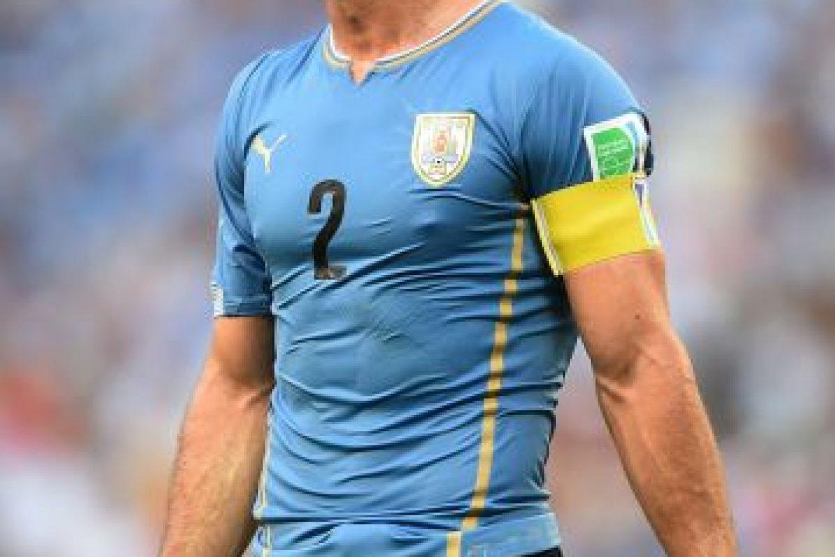 Debutó con el Nacional de Uruguay en 1999 y jugó en clubes como Plaza Colonia y Sao Paulo (Brasil) antes de emigrar al fútbol europeo. Foto:Getty Images