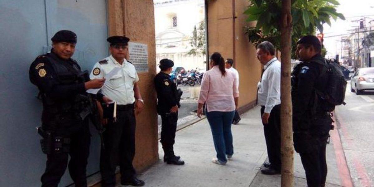 Fiscalía ejecuta órdenes de captura en el Congreso por plazas fantasma