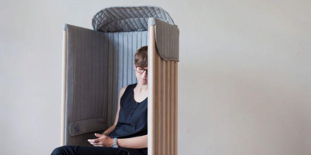 Desintoxícate digitalmente con esta silla antiteléfono inteligente