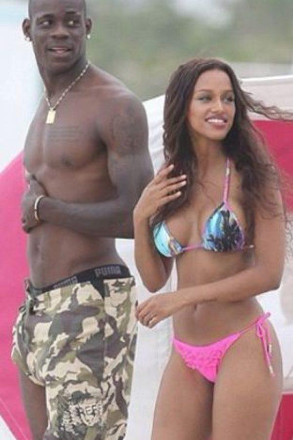 Por si fuera poco ahora se le víncula con la ex de Mario Balotelli Foto:Vía instagram.com/thisisfannyneguesha