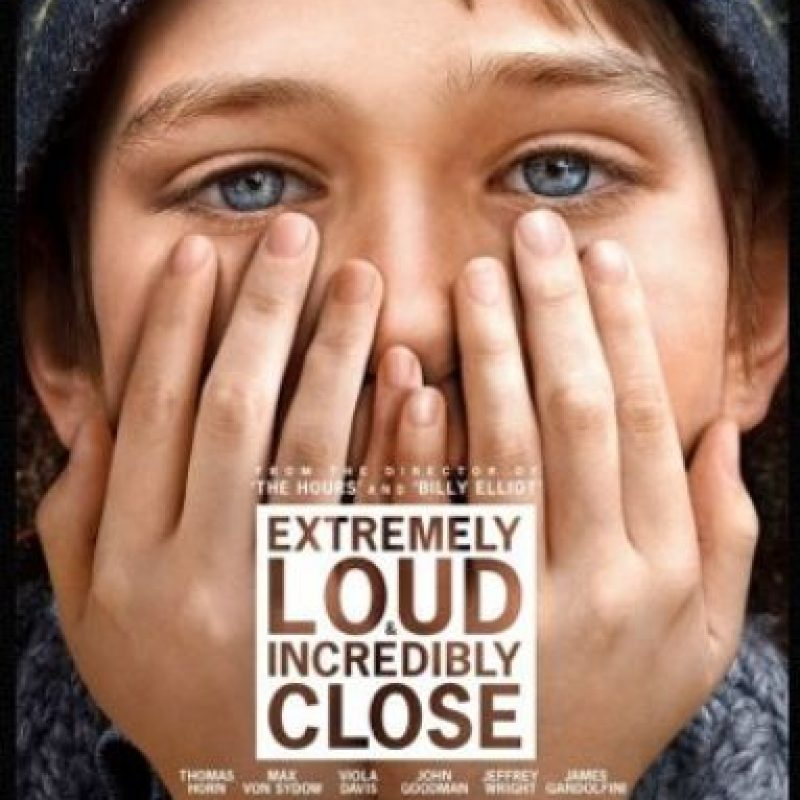 """Extremely loud & incredibly close"" (2011). Dirigida por Stephen Daldry. Fue protagonizada por Tom Hanks y Sandra Bullock. Foto: Impawards.com"