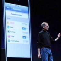 Steve Jobs presentó el iPhone 3G en la WWDC el 9 de junio de 2008 Foto:Getty Images