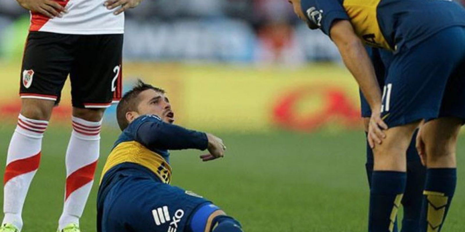Fernando Gago se rompió el tendón de Aquiles, antes de que se jugara un minuto de partido Foto:Twitter