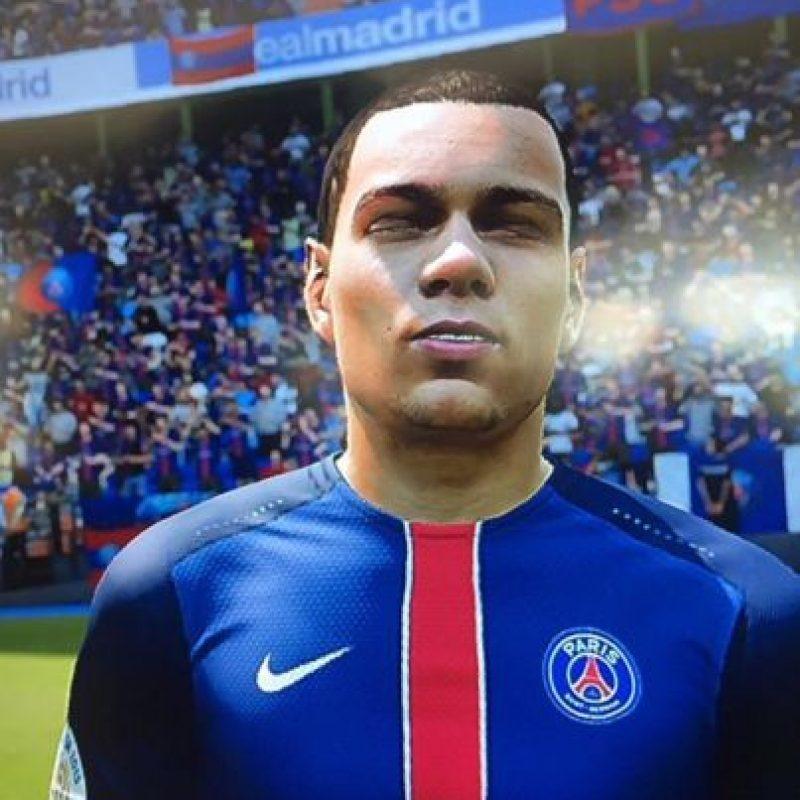 """Gregory van der Wiel no está muy contento con el """"FIFA"""". Foto:twitter.com/Gvanderwiel"""