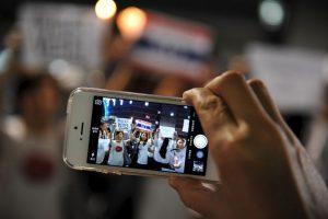 Sí, adivinaron, comúnmente el espacio de un móvil es ocupado por la música. Sin archivos físicos, todos esos megabites podrán utilizarlos en otra cosa Foto:Getty Images