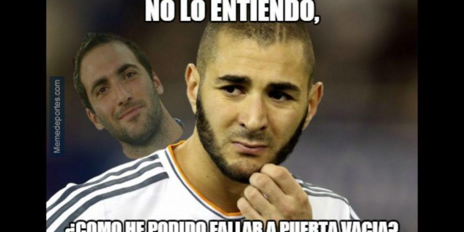 Y Karim Benzema por una falla increíble frente a la portería. Foto:memedeportes.com