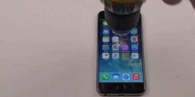 iPhone 6 Plus contra un taladro. Foto: vía FullMag / YouTube